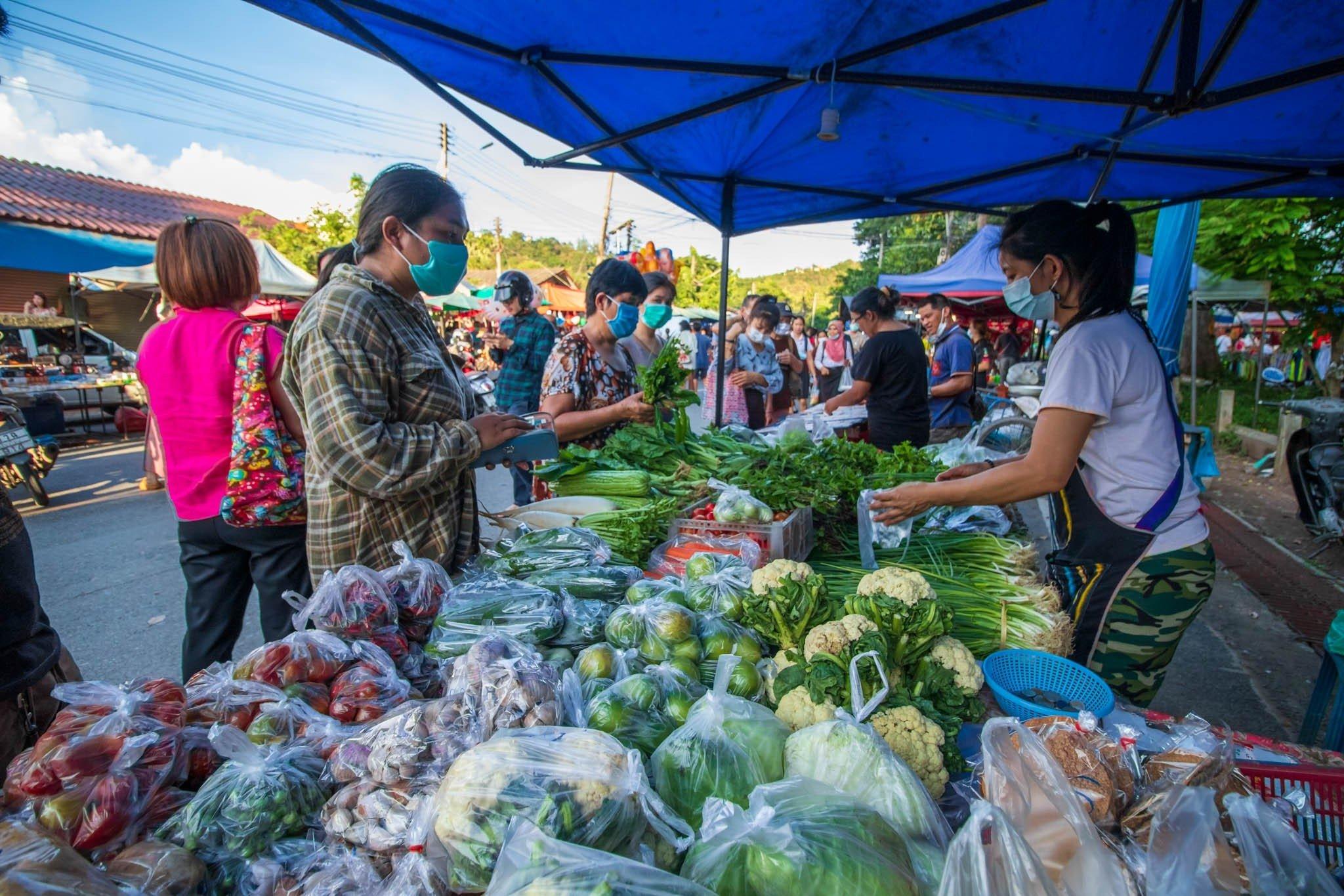 Tuesday Evening Street Market - Choeng Doi, Doi Saket